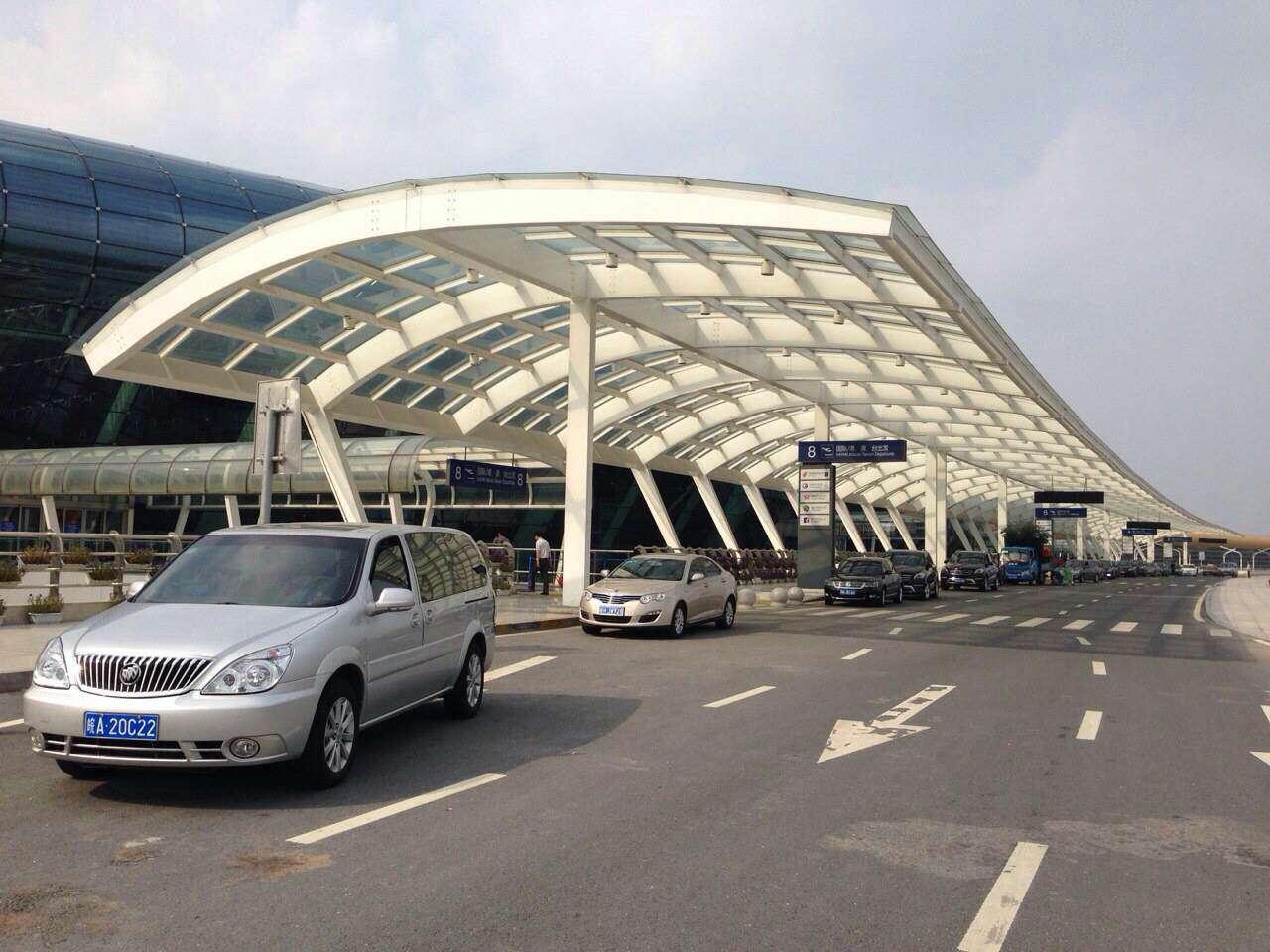 6月3日合肥良友汽车租赁公司别克商务在新桥机场接机